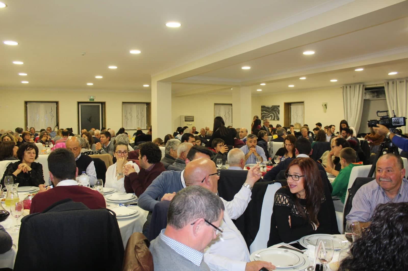 Jantar do PS Penafiel reúne 300 penafidelenses a celebrar Abril