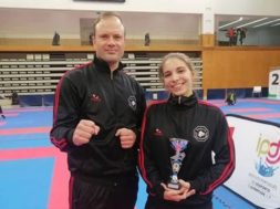 "Joana Roque da ""Escolas de Karate Penafiel"" alcança 3º lugar no Grande Open Internacional de Vila das Aves"